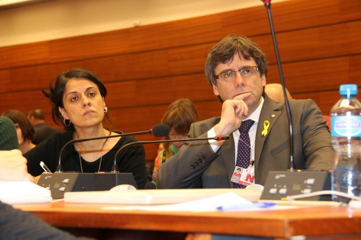 Anna Gabriel (CUP) and Carles Puigdemont at Geneva human rights seminar