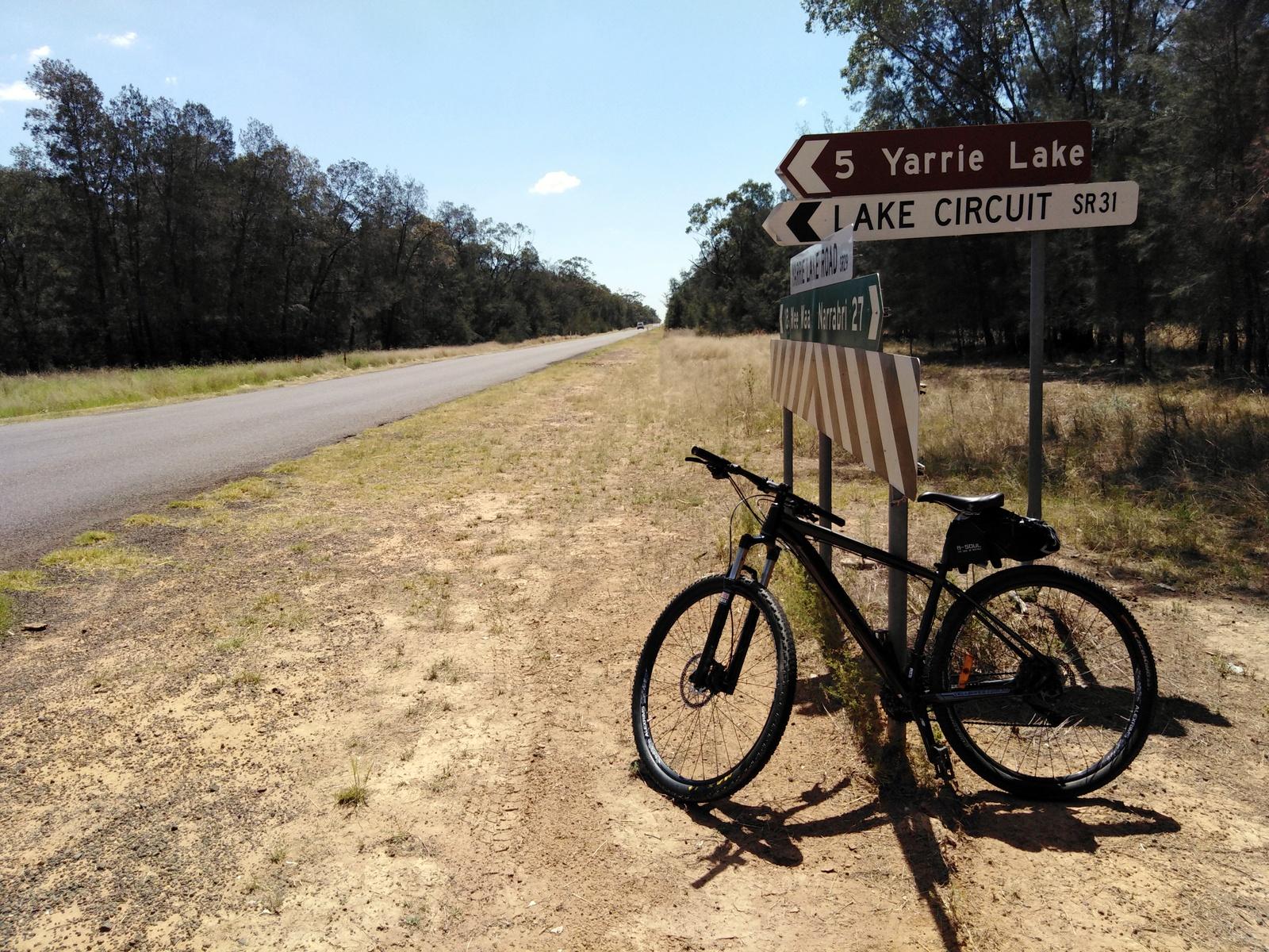 Yarrie Lake road