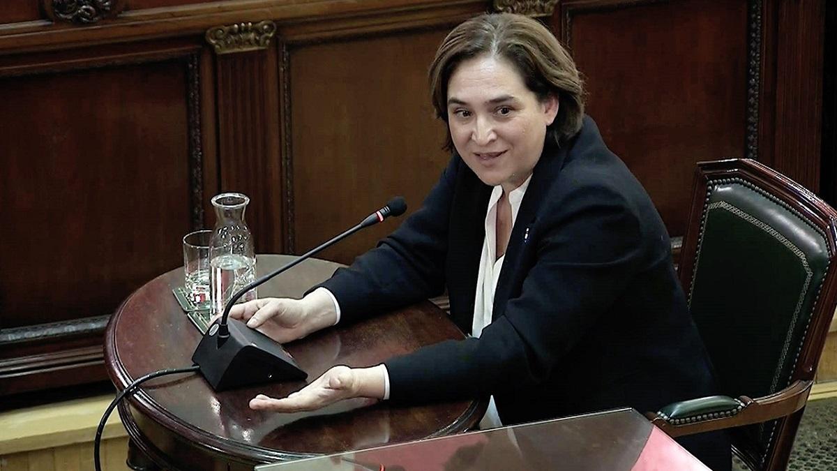 Barcelona mayoress Ada Colau giving evidence