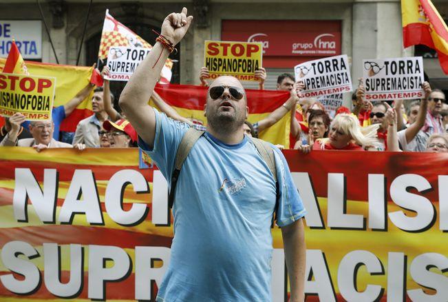 "Far-right unionist demonstration against ""Hispanophobia"", Bareclona, May 27"
