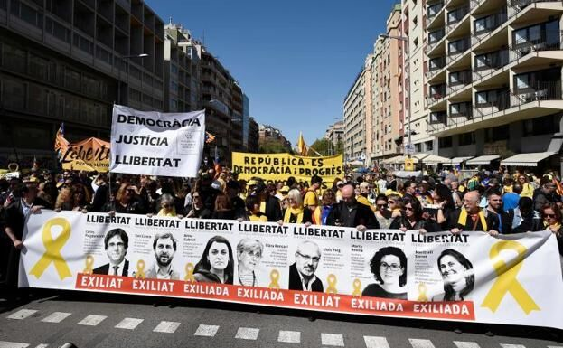 April 15 Barcelona demo: 'Republic is Democracy and Progress'