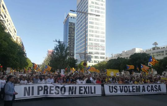 Lead banner, July 14 demonstration in support of Catalan political prisoners and exiles