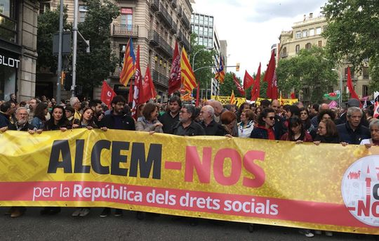 """Let's Arise!"" May Day demonstration of the pro-independence Intersindical-CSC"