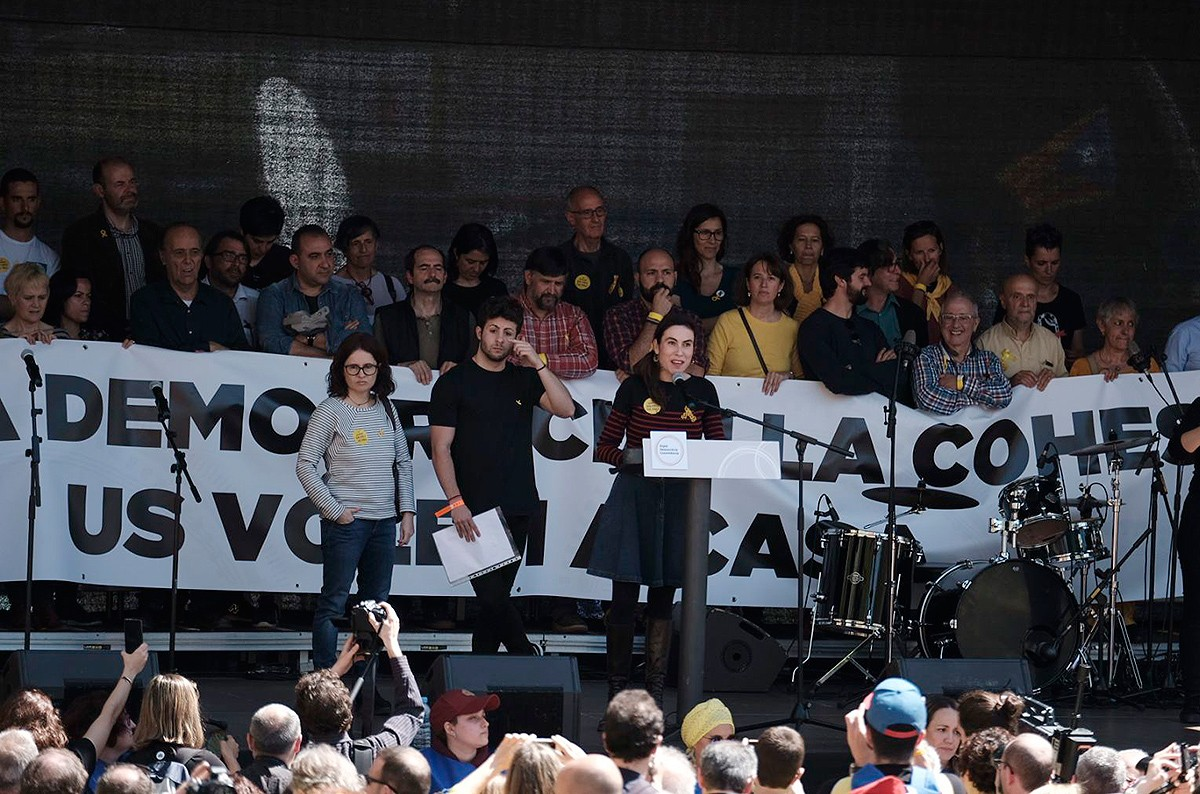 "April 15 Barcelona demo: family members of ""the Jordis"" read demonstration declaration"