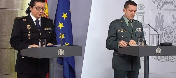 José Manual Santiago (right) at a press conference (Credit: Vilaweb)