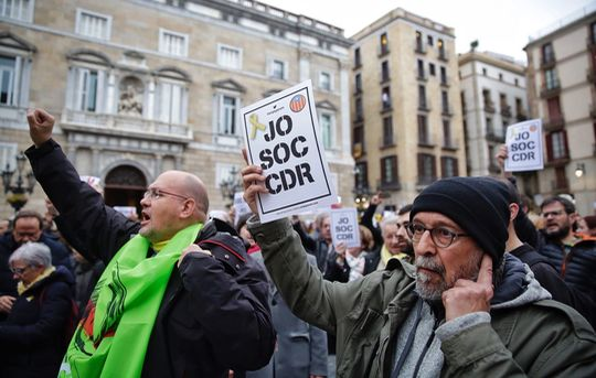 "Protestors at April 10 demonstration against arrest of CDR member on charge of ""terrorism"""