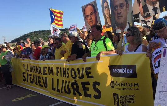 Demonstration greeting Catalan political prisoners returned to Catalan jails