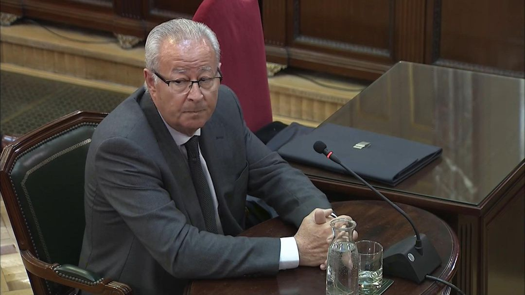 Former head of the National Police Corps (CNP), Sebatian Trapote, giving evidence