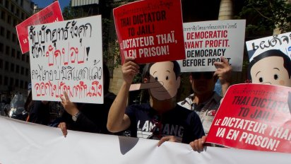 Paris protest against Prayut