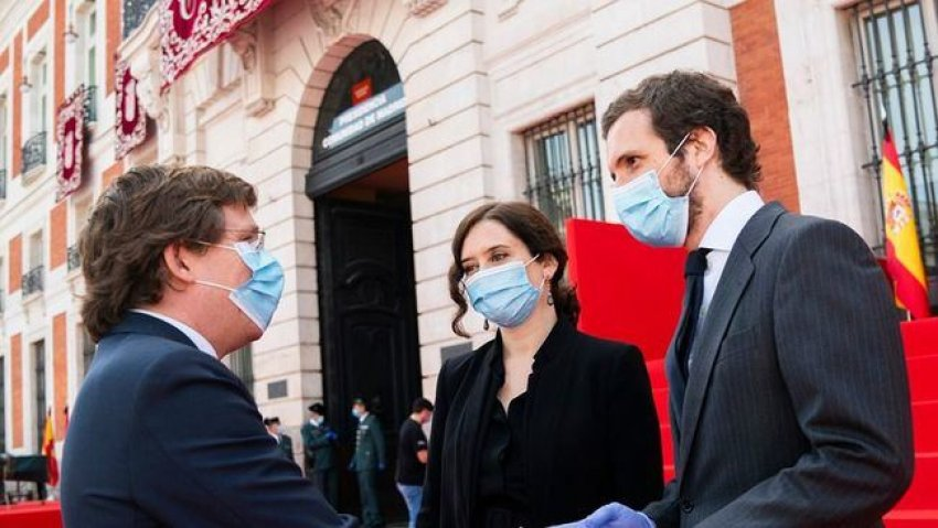 From left to right: Madrid mayor José Luis Martínez Almeida, Community of Madrid premier Isabel Díaz Ayuso and PP leader Pablo Casado (Credit: El Boletín