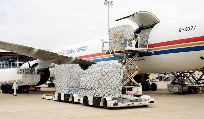 A consignment of face masks arrives in Spain