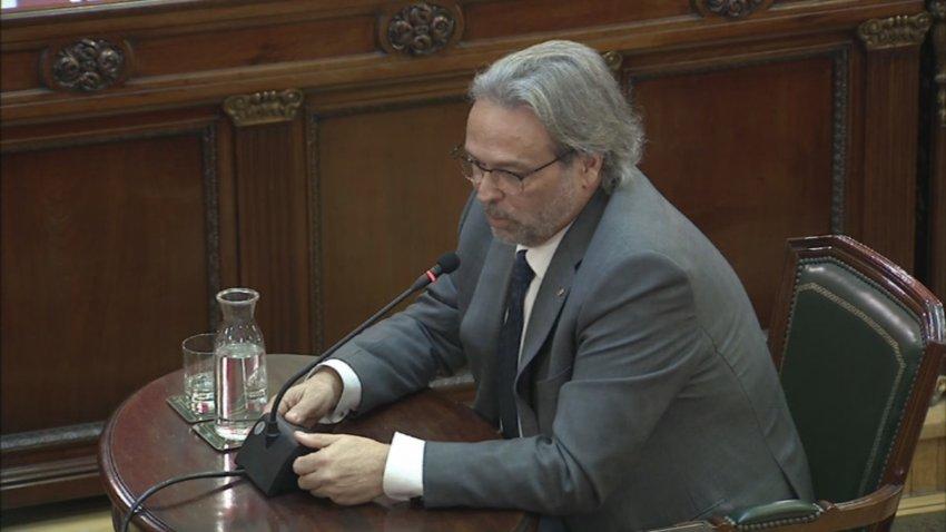 Ernest Benach, former speaker of the Catalan Parliament, giving evidence