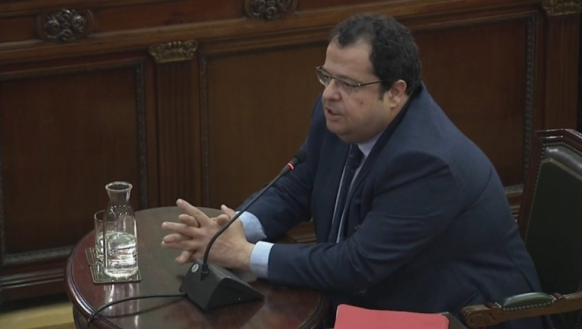 Joan Ignasi Elena, former spokesperson for the National Pact for the Referendum, giving evidence