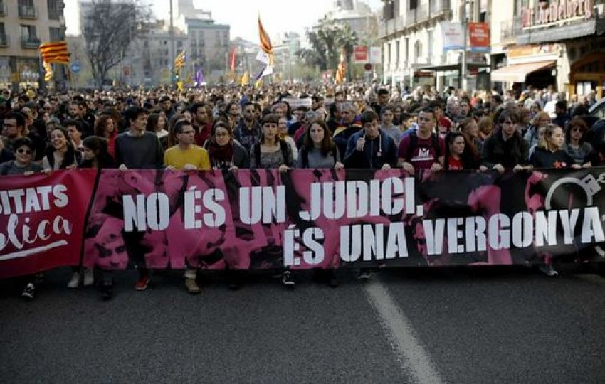 """Barcelona student march sets off: """"It's Not a Trial, It's a Disgrace"""""""