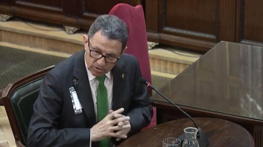 Ángel Gozalo, former head of the Civil Guard, giving evidence