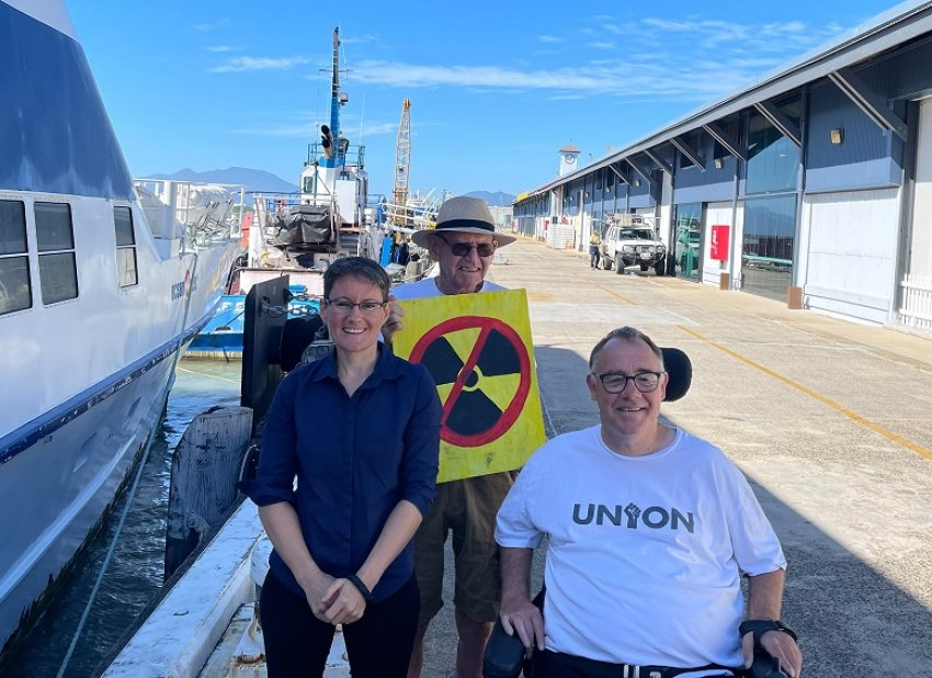 Rob Pyne supporting anti-nuclear activists campaigning against nuclear-powered submarines.