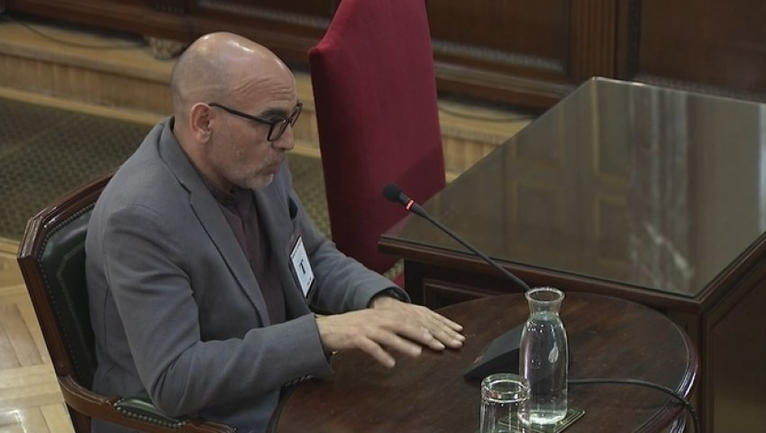 Sergeant from mediation team of the Mossos d'Esquadra gives evidence