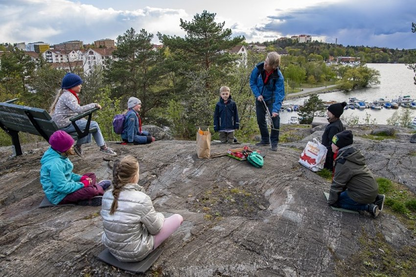 A scout group holds a socially distanced meeting outdoors in southern Stockholm. (Credit: Jonas Ekströmer | TT)