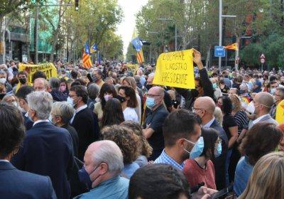 protesting_carles_puigdemonts_arrest_in_barcelona