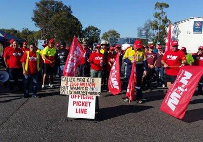Caltex workers on picketline