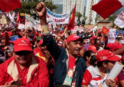 Chavistas march against right-wing attacks in September.
