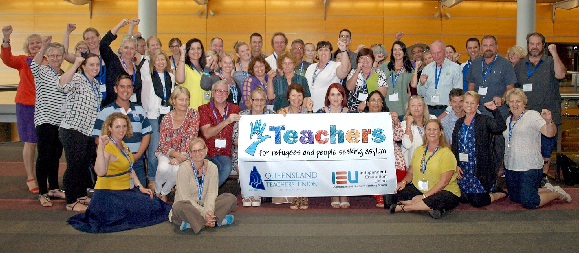 Queensland teachers vote to walk off for refugees